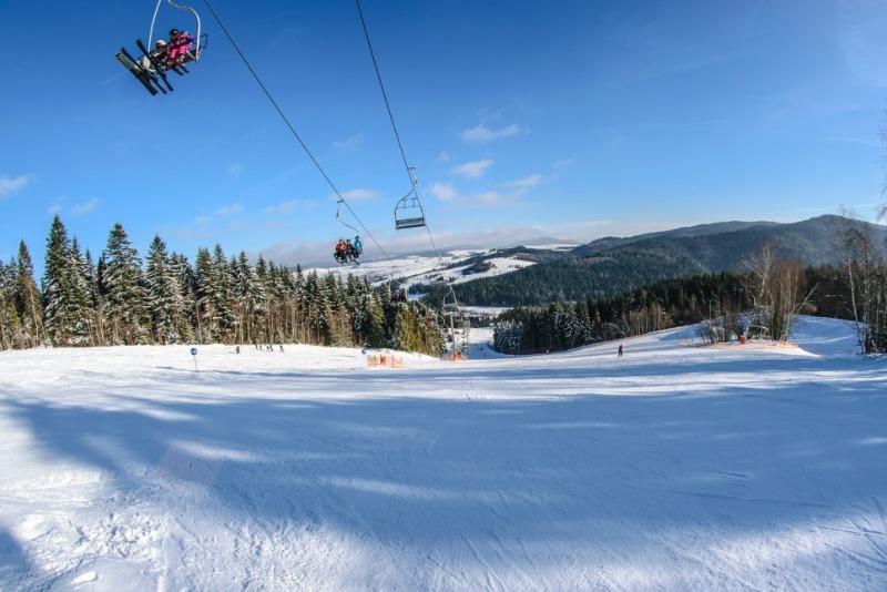 ski-lift-1941465_1280.jpg